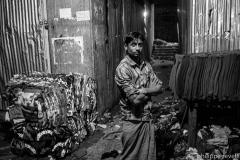 Dhaka / Atelier de confection informel produisant pour le marché local.